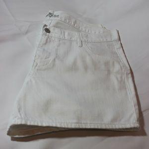 Old Navy Diva fit jean shorts NWOT Size 14